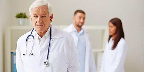 Болит живот и понос: причины недомоганий и методы лечения